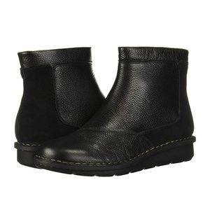 CLARKS Women's Michela Petal Ankle Boot